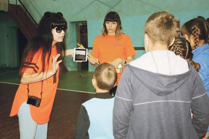 Урок безопасного поведения для детей проводят волонтеры отряда