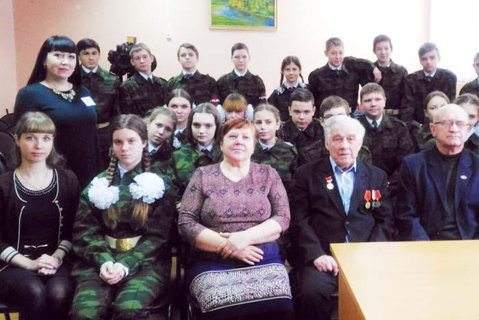 Участники мероприятия, посвященного юбилею Сталинградской битвы