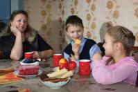 Наталья Владимировна Грачева с детьми Денисом и Дариной (с. Абрамово)