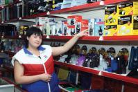Продавец-консультант Е. Голубкова знает все о канцтоварах
