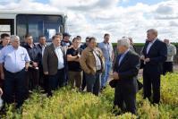 А.П. Ялин знакомит коллег и руководителей района с новыми агротехнологиями