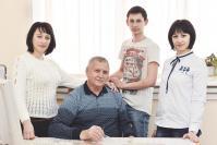 Александр Ванюшин с дочерьми Татьяной, Натальей и внуком Евгением